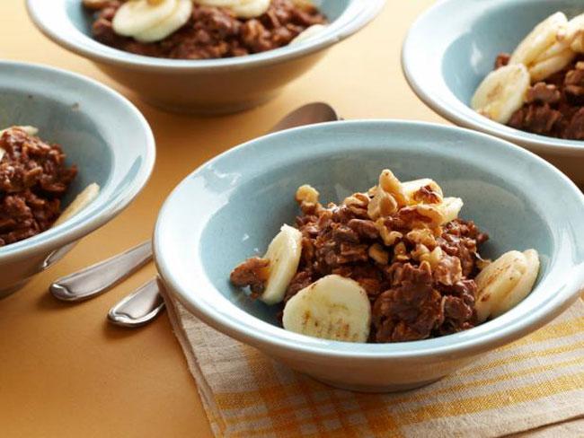 clean eating banana-chocolate oatmeal