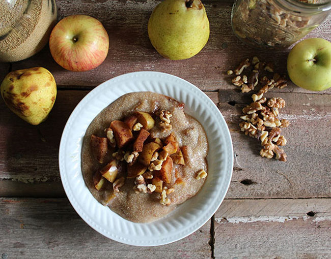 amaranth porridge with cinnamon pears apples and maple syrup