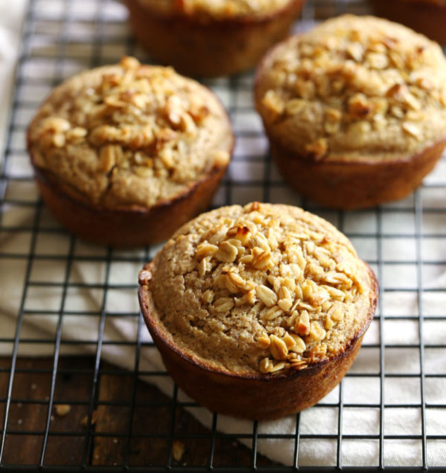 clean eating banana oat muffins